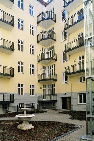Senefelder Strasse Hof